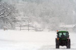 Grafica e Formazione - Francesca Gallesio - Fotografia Trattore nella neve
